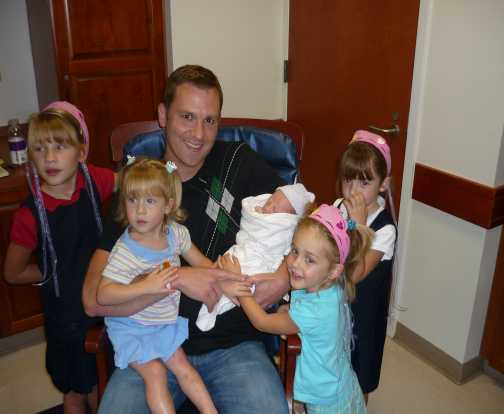 daddy and his five ladies - karis arrival